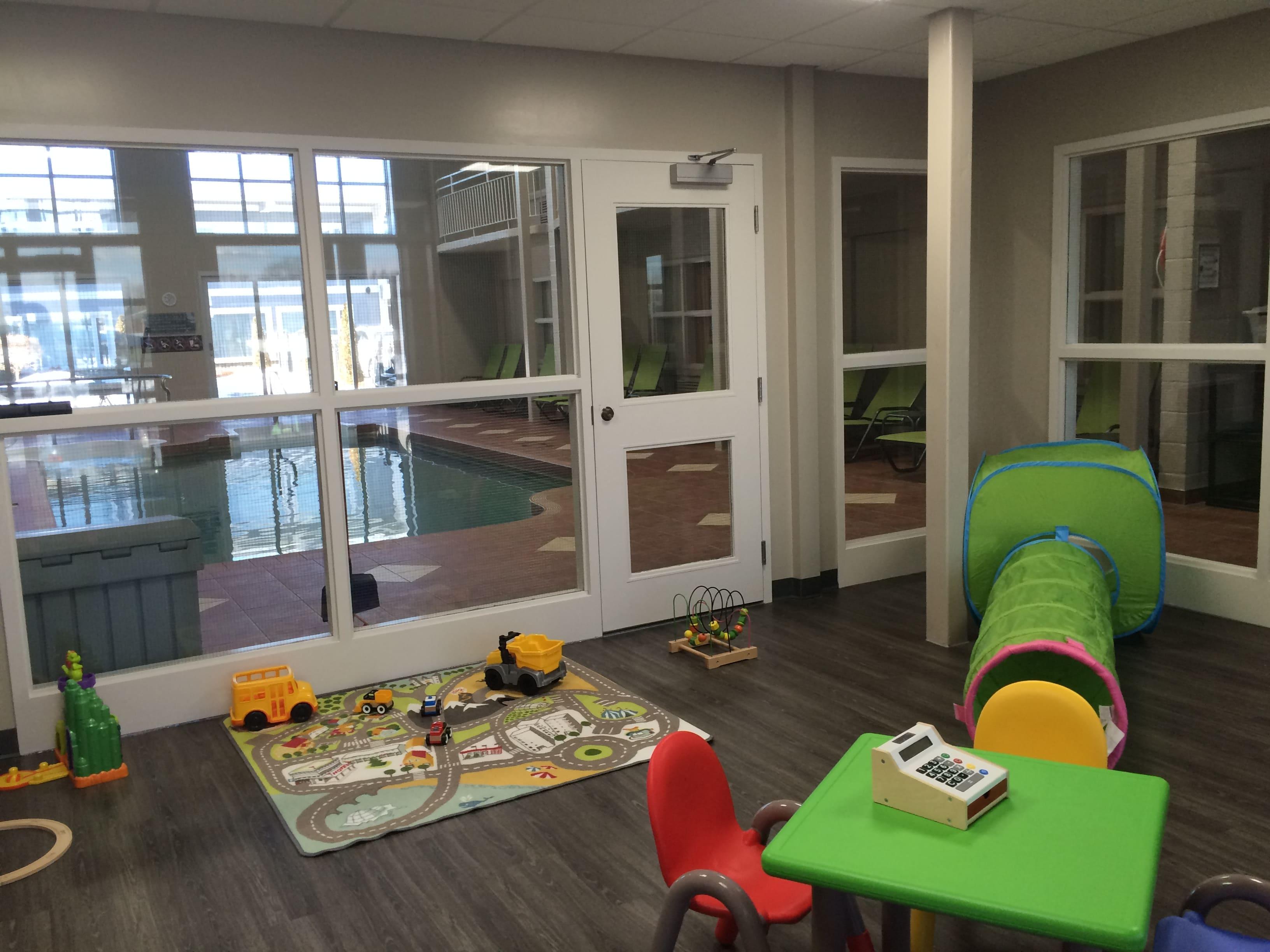 salle de jeux disponible h tel et suites le dauphin drummondville. Black Bedroom Furniture Sets. Home Design Ideas