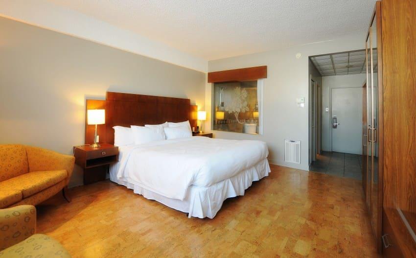 Hotel Foyer Bain Tourbillon Quebec : Chambre d hotel drummondville et suites le dauphin
