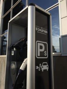 Borne de recharge pour véhicule électrique!