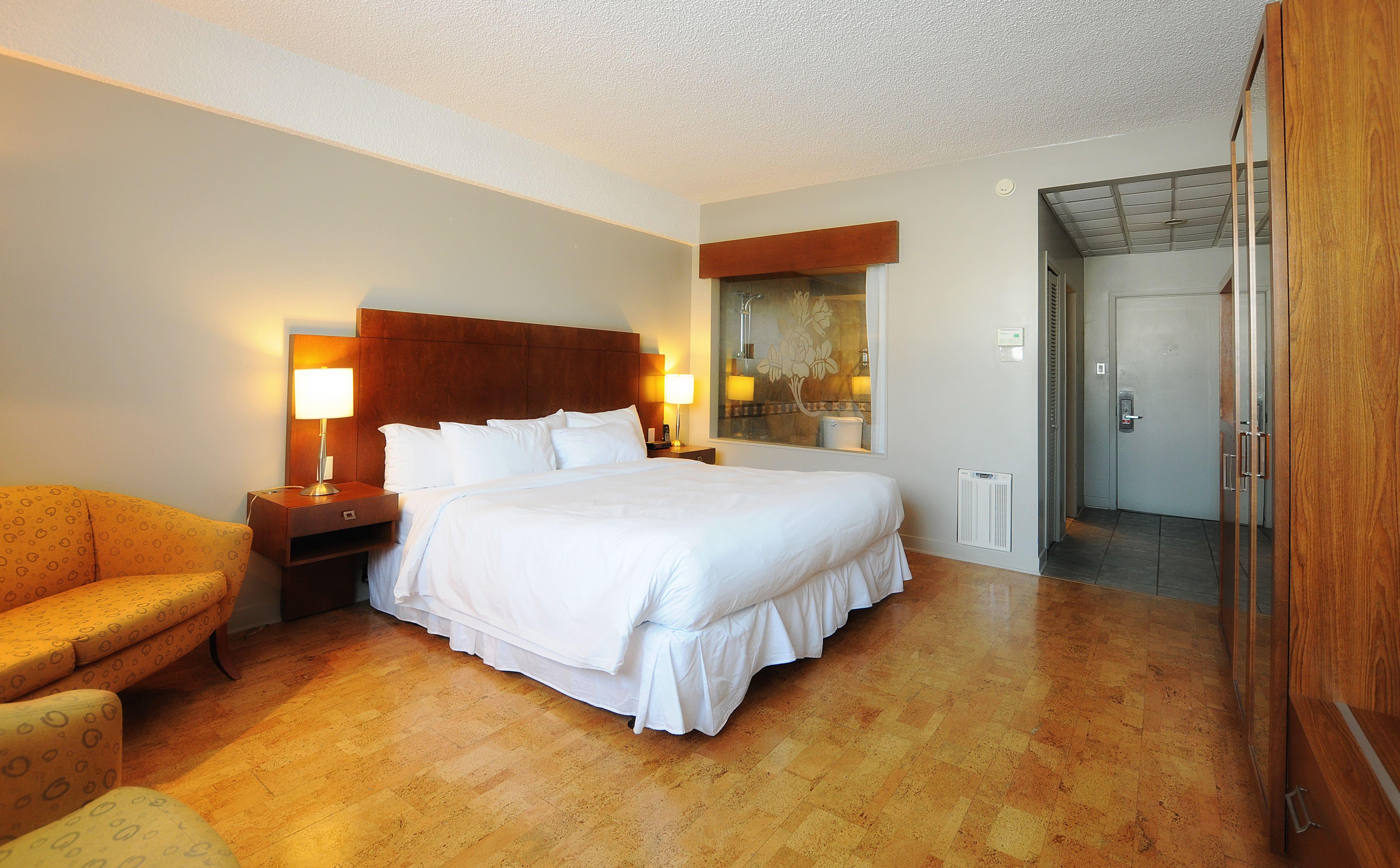 Chambre avec bain tourbillon